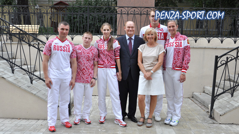 """Пензенским олимпийцам вручены автомобили  """"Audi """" ."""